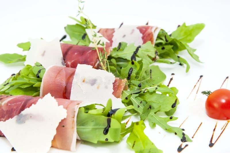 Vleesbroodjes met vlees en greens stock afbeeldingen