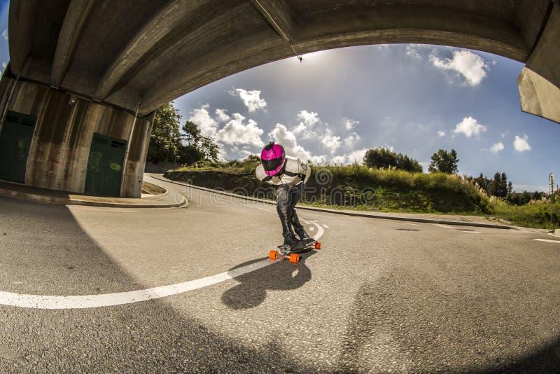 Vleet bergaf ruiter het berijden in Portugal stock foto's