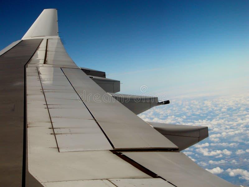 Download Vleugel stock foto. Afbeelding bestaande uit passagier, wolken - 34032