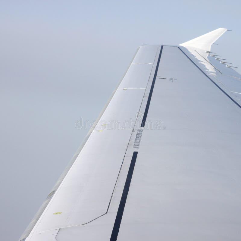 Vleugel van een airoplane stock fotografie