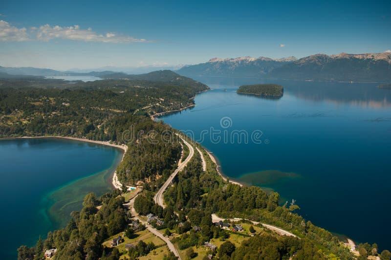 Vliegend rond de Angostura van Villala, Neuquén-Provincie, Argentinië royalty-vrije stock foto's