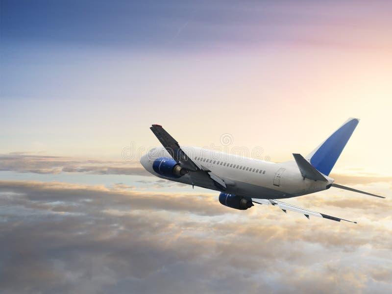 Vliegend vliegtuig stock foto