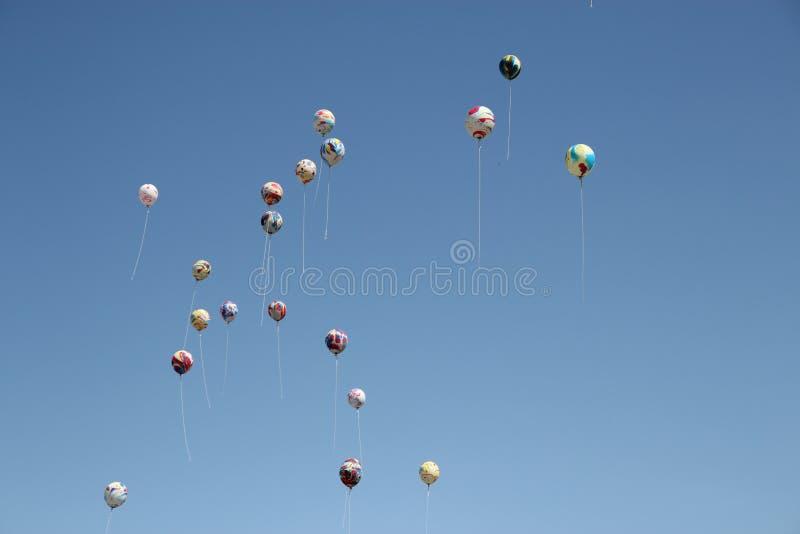 Vliegende Ballons royalty-vrije stock afbeeldingen