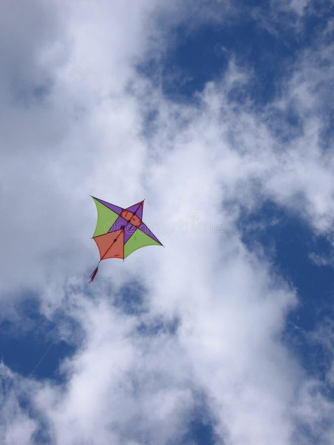 Download Vlieger in de hemel stock afbeelding. Afbeelding bestaande uit wind - 292535