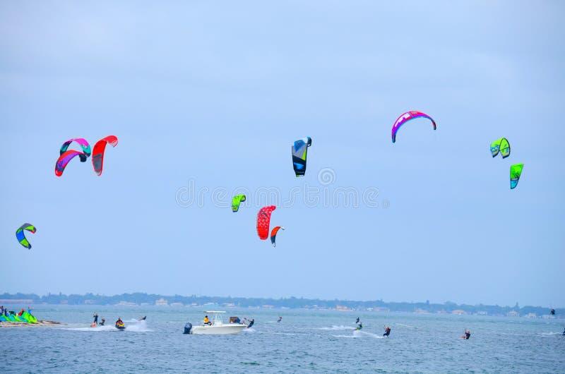 Vlieger het surfen wedstrijd Tampa Bay Florida royalty-vrije stock afbeelding