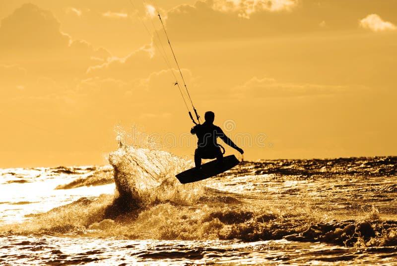 Vlieger surfer in actie royalty-vrije stock foto