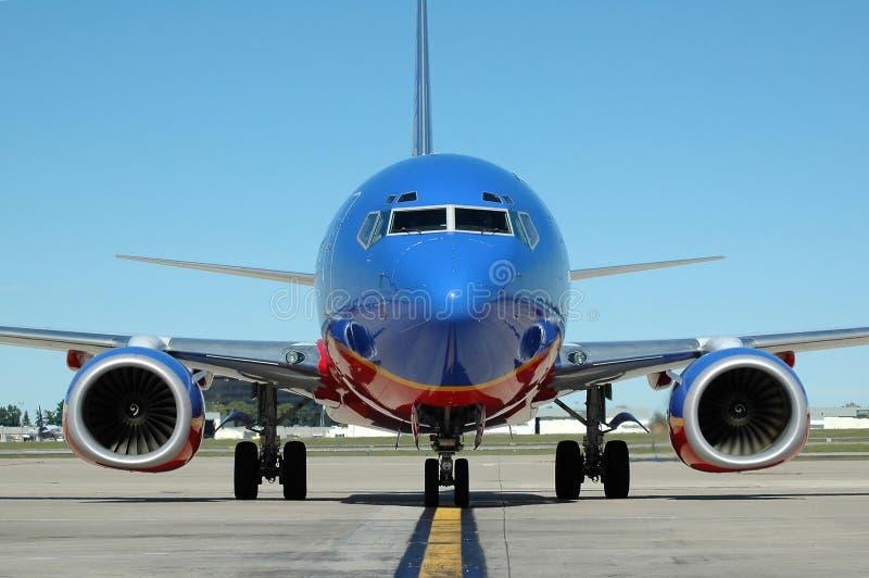 Vliegtuig bij de Luchthaven stock foto