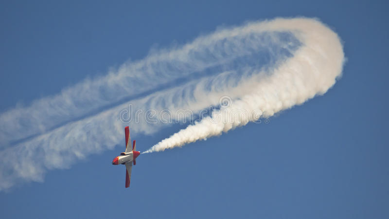 Vliegtuig contrail stock afbeeldingen
