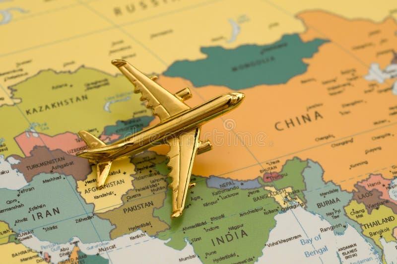 Vliegtuig dat naar Zuid-Amerika reist stock fotografie