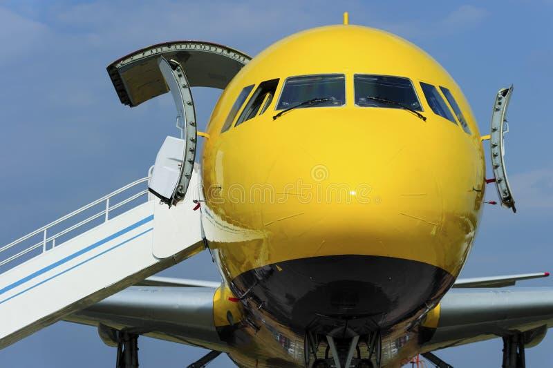Vliegtuig met helling stock afbeeldingen