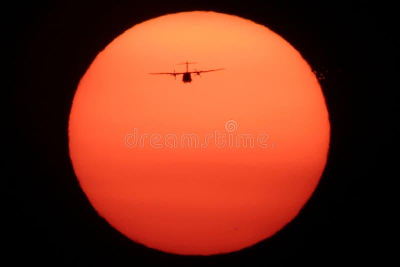 Vliegtuig op de Zon royalty-vrije stock afbeeldingen