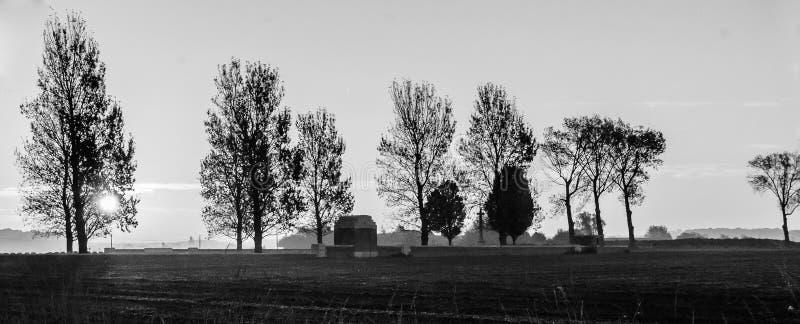 Vliegtuigbegraafplaats bij dageraad - herinner hen royalty-vrije stock afbeelding