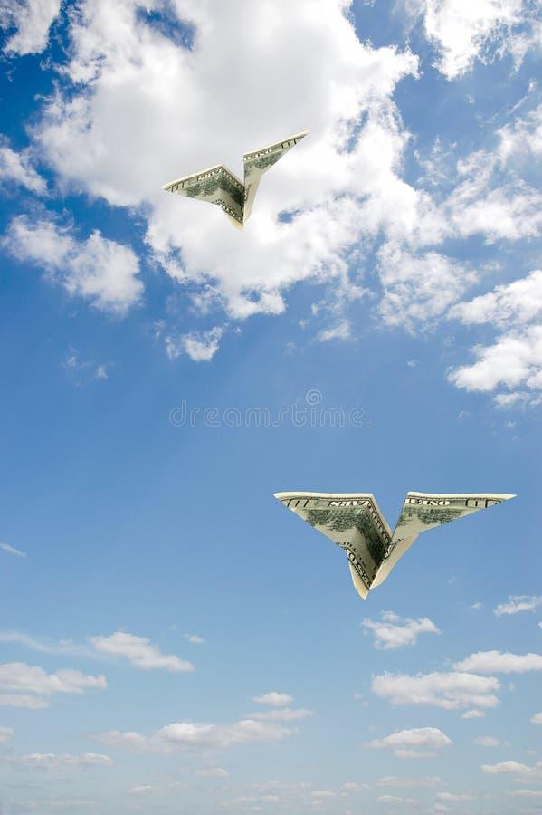 Vliegtuigen in hemel stock foto's