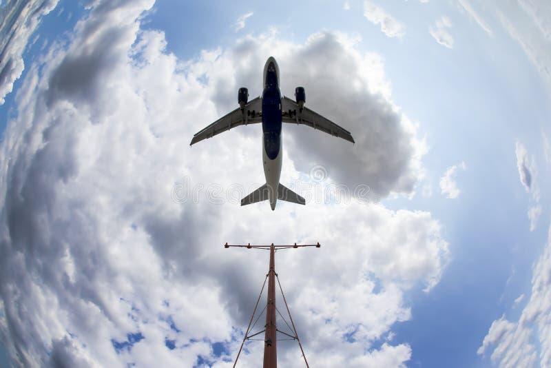 Vliegtuigen het Landen royalty-vrije stock foto