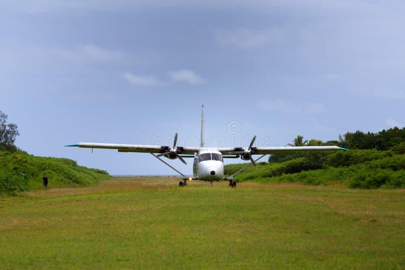 Vliegtuigland bij Geheimzinnigheid Eiland royalty-vrije stock afbeeldingen