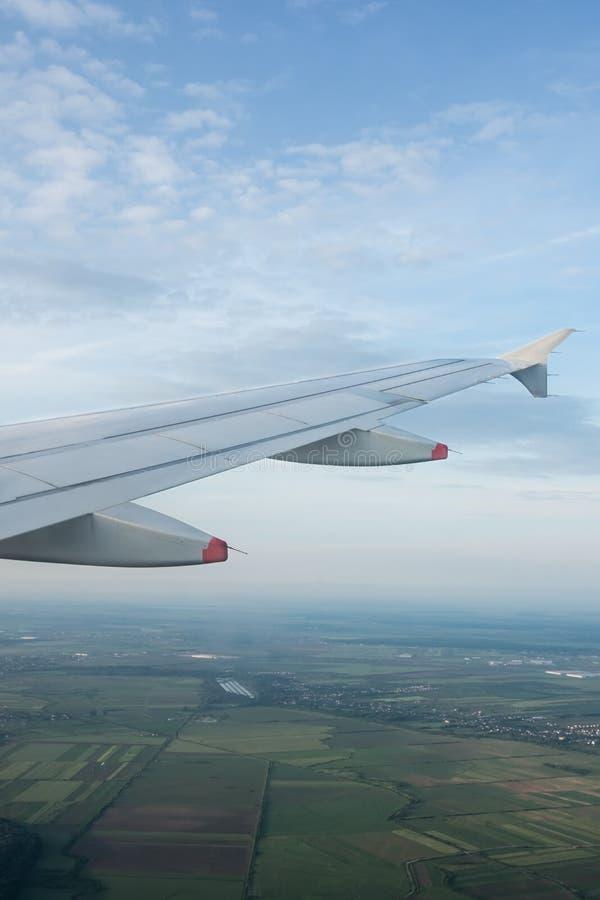 Vliegtuigmening over gecultiveerde percelen, Roemenië stock fotografie