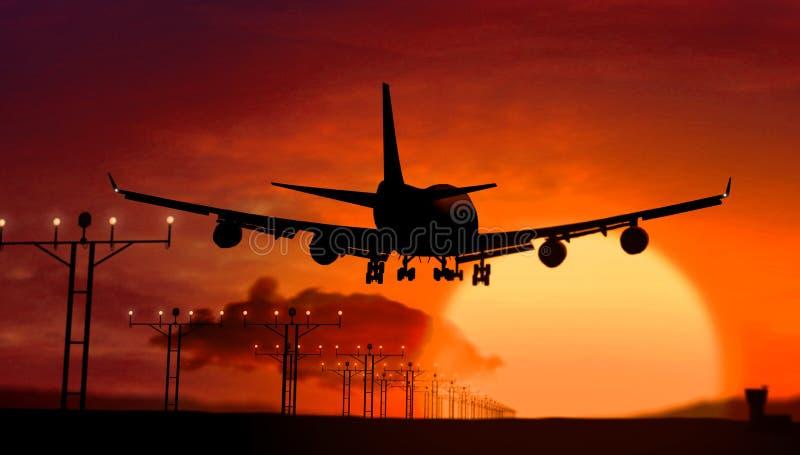 Vliegtuigsilhouet die op zonsondergang landen stock afbeelding