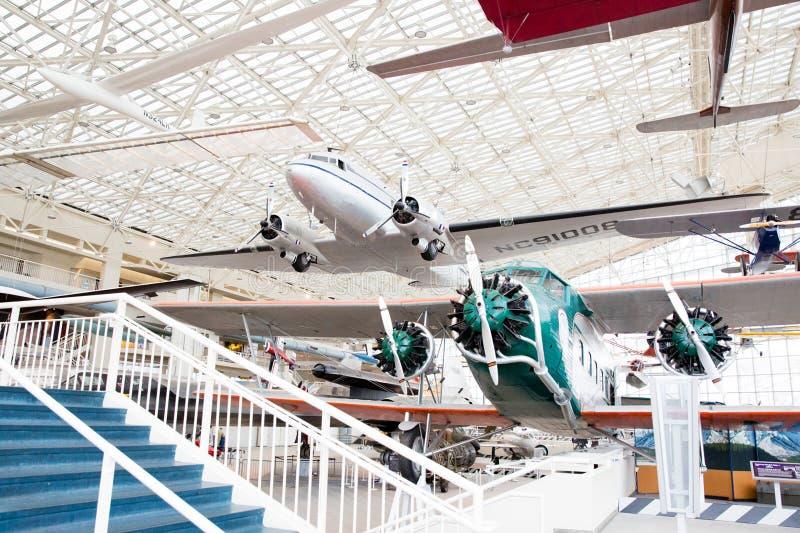 Vliegtuigvertoningen bij het Luchtmuseum royalty-vrije stock afbeelding