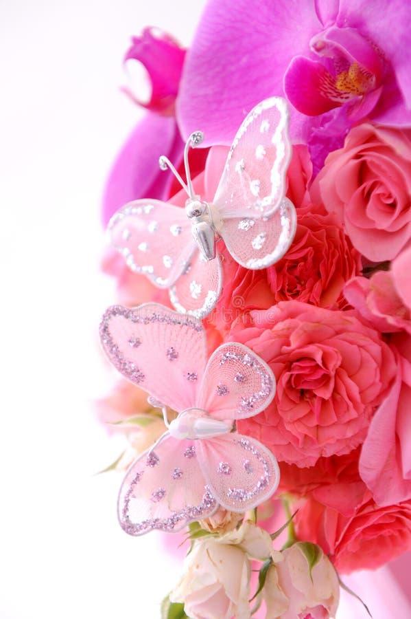 Vlinders op boeket stock afbeelding