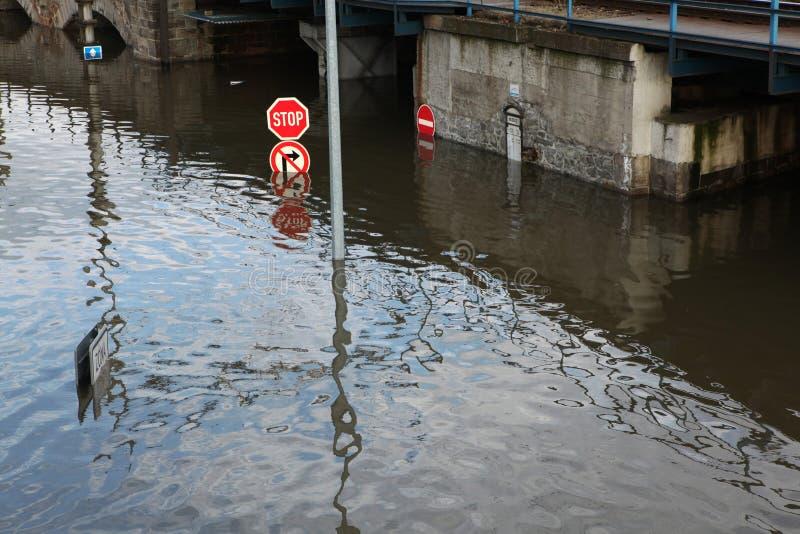 Vloed in Usti-nad Labem, Tsjechische Republiek royalty-vrije stock afbeeldingen