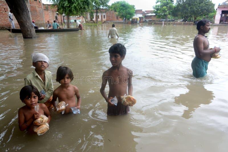 Vloedslachtoffers stock fotografie