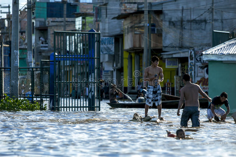 Vloedwateren in Iquitos in Peru royalty-vrije stock foto