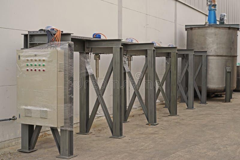 Vloeibare chemische opruiersmachine royalty-vrije stock afbeeldingen