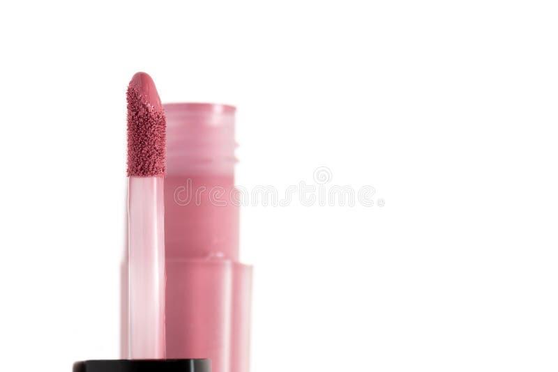 Vloeibare Lippenstift Borstel voor make-uplippen op witte achtergrond stock afbeeldingen