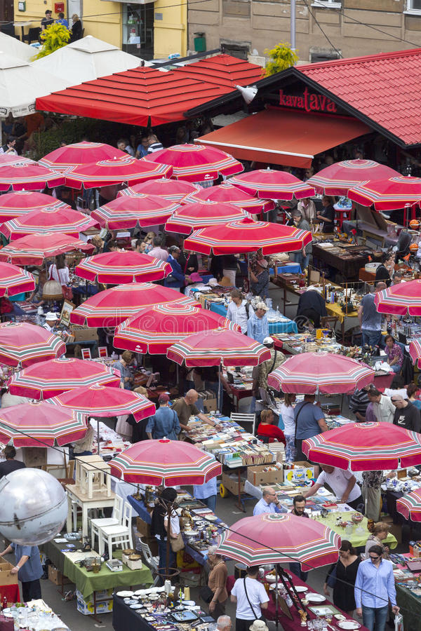 Vlooienmarkt in Zagreb stock afbeelding