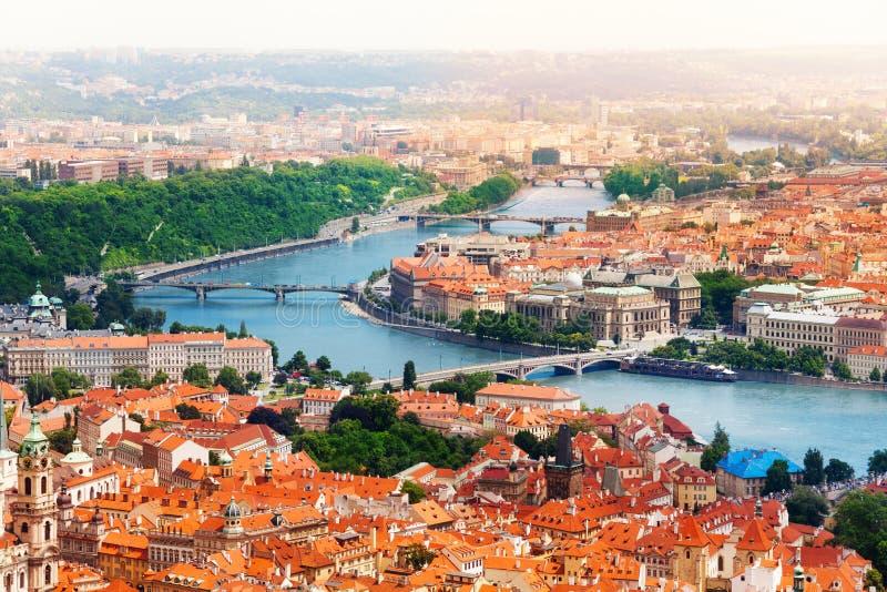Vltava mosty w Praga i rzeka fotografia royalty free