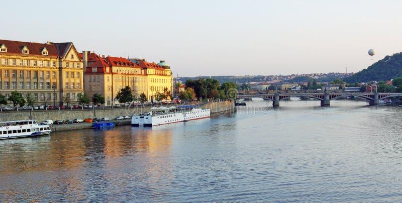 Vltava in Prag stockbilder