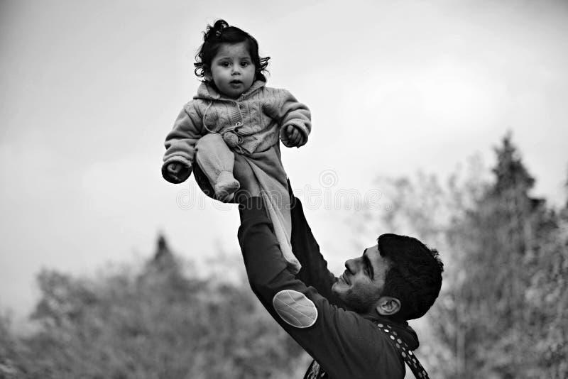 vluchtelingen die Hongarije verlaten royalty-vrije stock fotografie