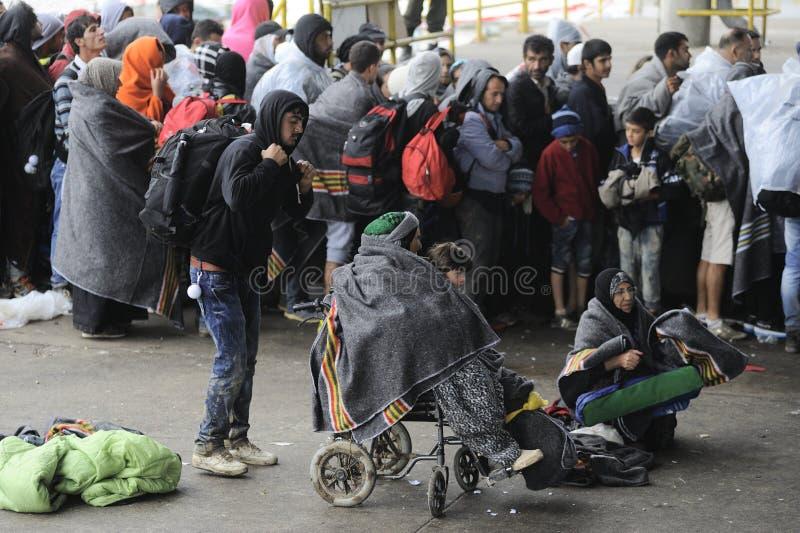 Vluchtelingen in Nickelsdorf, Oostenrijk stock foto's