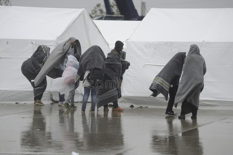 Vluchtelingen in Nickelsdorf, Oostenrijk royalty-vrije stock fotografie