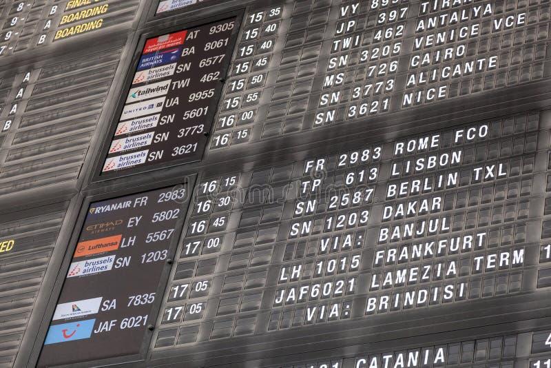 Vluchtinformatie bij de Internationale Luchthaven van Brussel royalty-vrije stock foto's