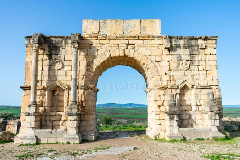 Voûte de Caracalla chez Roman Ruins de Volubilis au Maroc photographie stock libre de droits