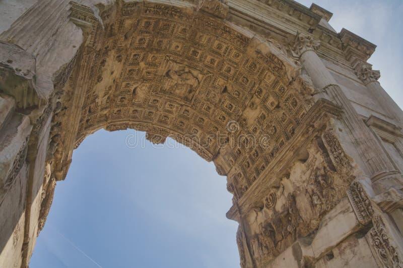 Voûte de Titus, forum Romanum, Rome, Italie photographie stock libre de droits