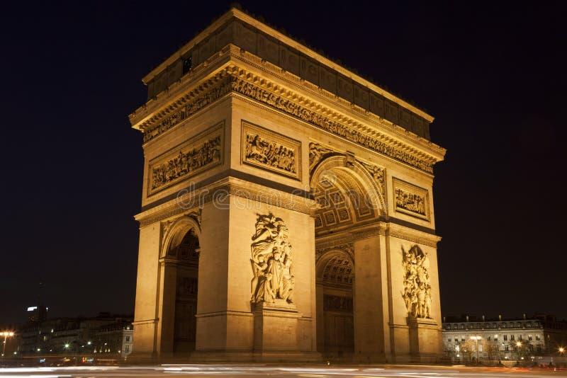 Voûte de triomphe la nuit, Paris, France photo stock