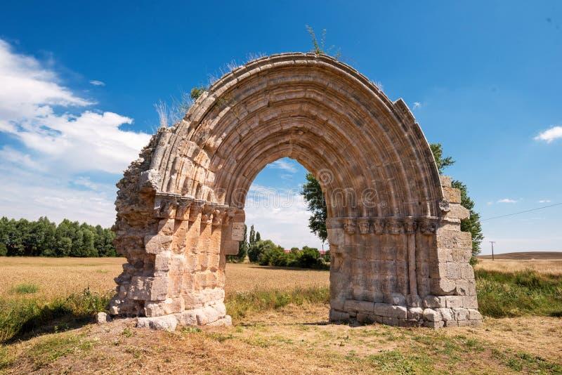 Voûte médiévale ruinée de San Miguel de Mazarreros image stock