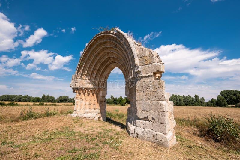 Voûte médiévale ruinée de San Miguel de Mazarreros photographie stock