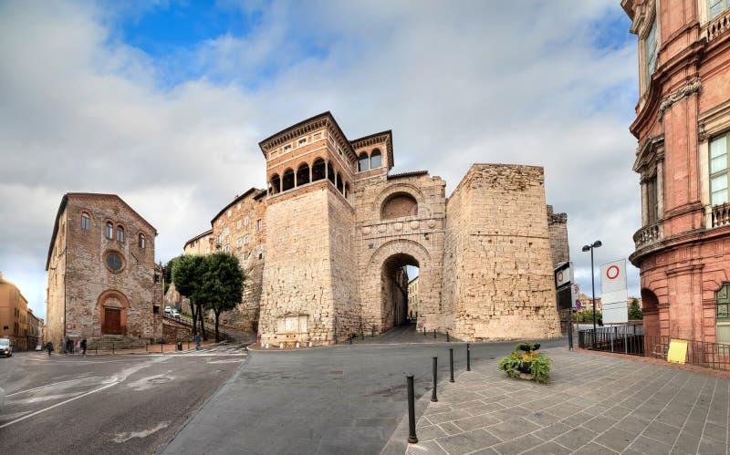 Voûte ou Augustus Gate d'Etruscan à Pérouse, Italie photo stock