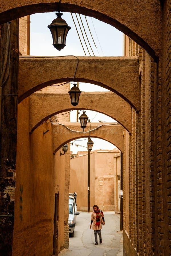 Voûtes sur les rues du grès dans le style persan traditionnel photographie stock