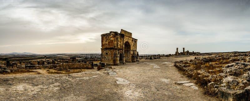 Voûte de Caracalla dans Volubilis photographie stock libre de droits