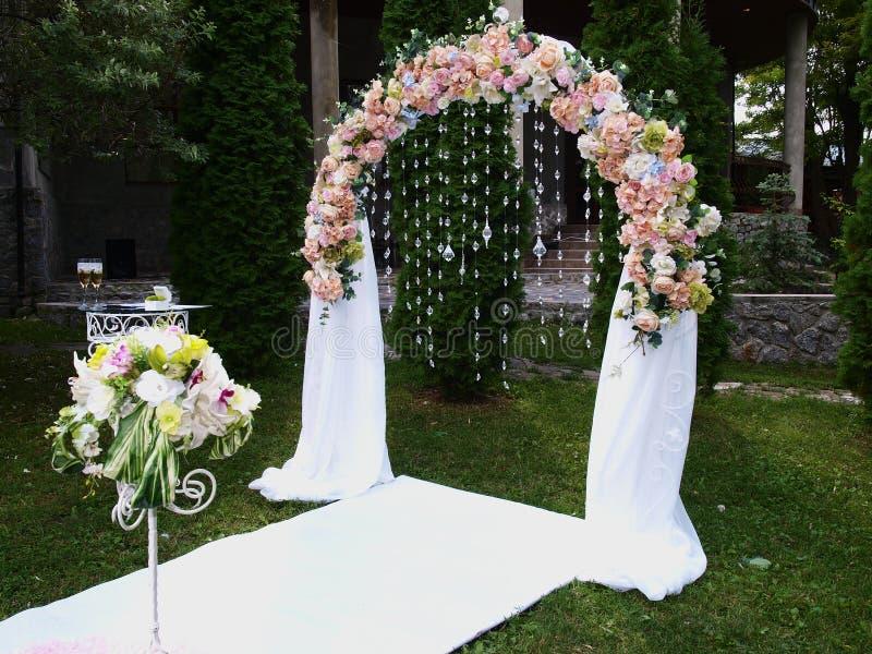 Voûte de mariage photos libres de droits