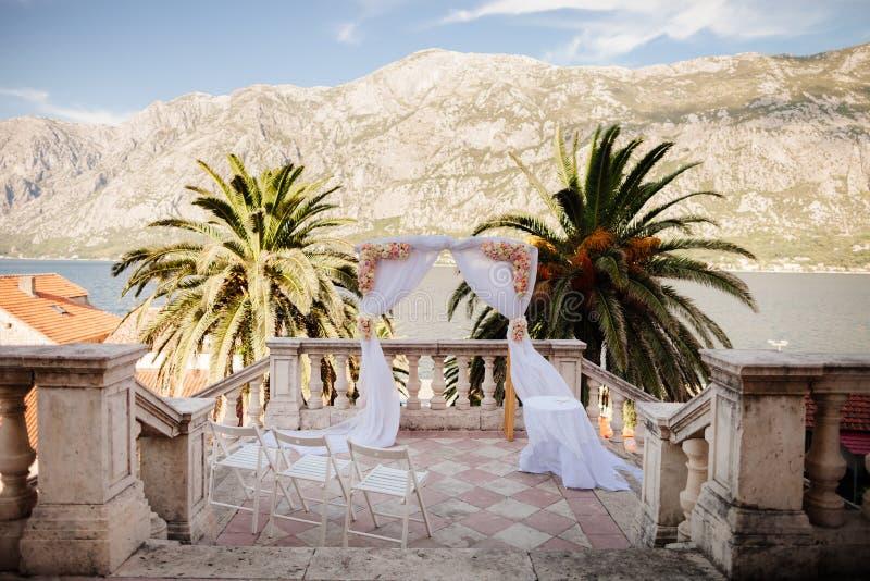 Voûte de mariage de destination photographie stock