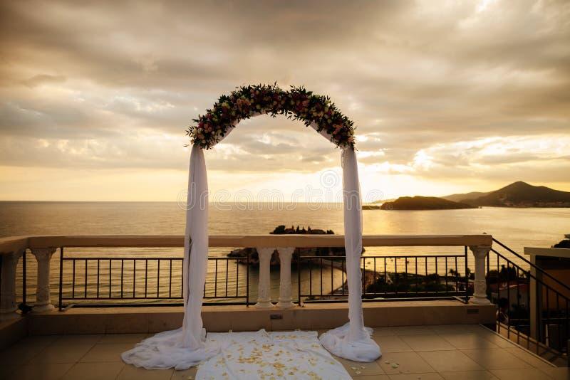 Voûte de mariage de destination image stock