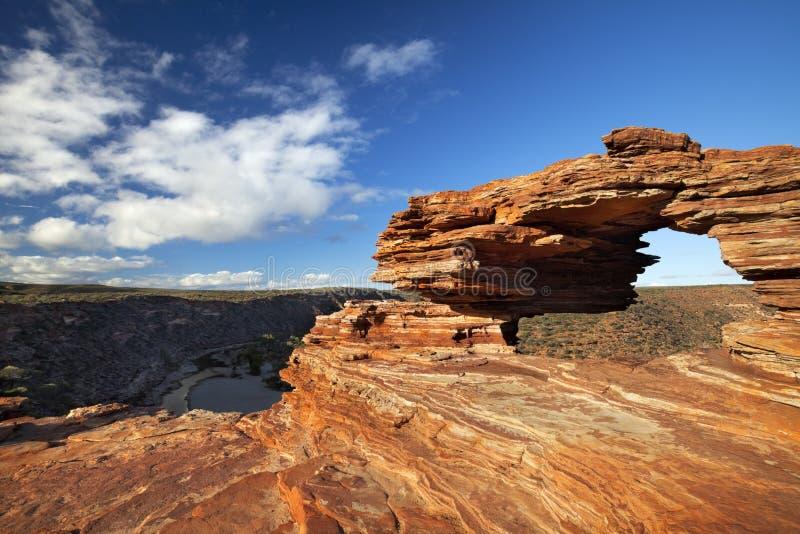 Voûte naturelle de roche de la fenêtre de la nature dans Kalbarri NP, Australie images stock