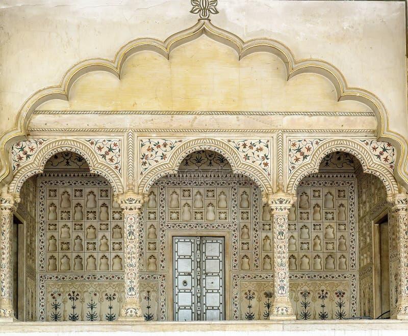 Voûtes à l'intérieur de fort rouge, Âgrâ, Inde photos stock