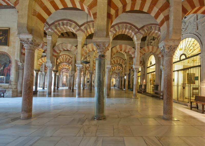 Voûtes de la Mezquita, Cordoue, Espagne photos libres de droits