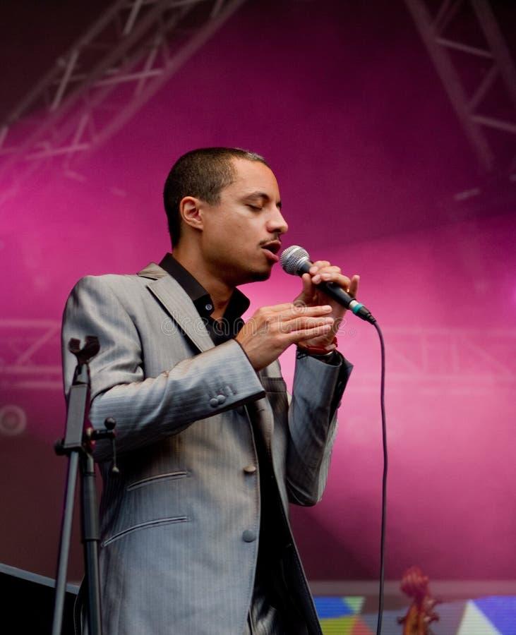 Vocalista americano Jose James de la estrella foto de archivo